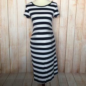 Liz Lange Maternity Short Sleeve stripe dress S